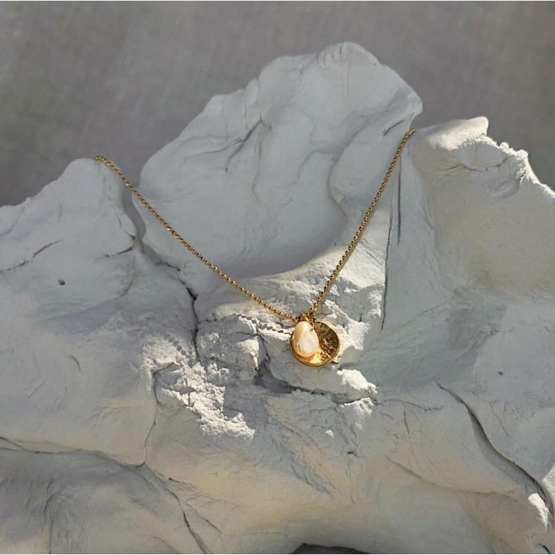 To pamper necklace | Gold