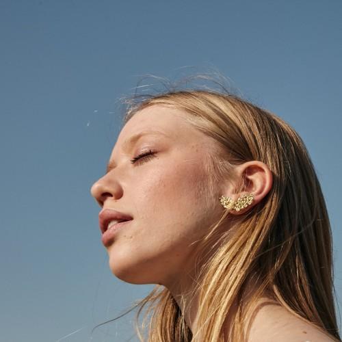 Precious earrings   Gold
